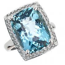 Aquamarine & Diamond Ring set in 14K Gold