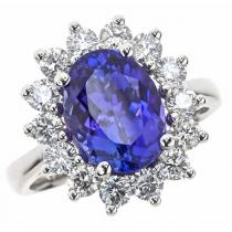 Tanzanite & Diamond  Ring set in 14K Gold